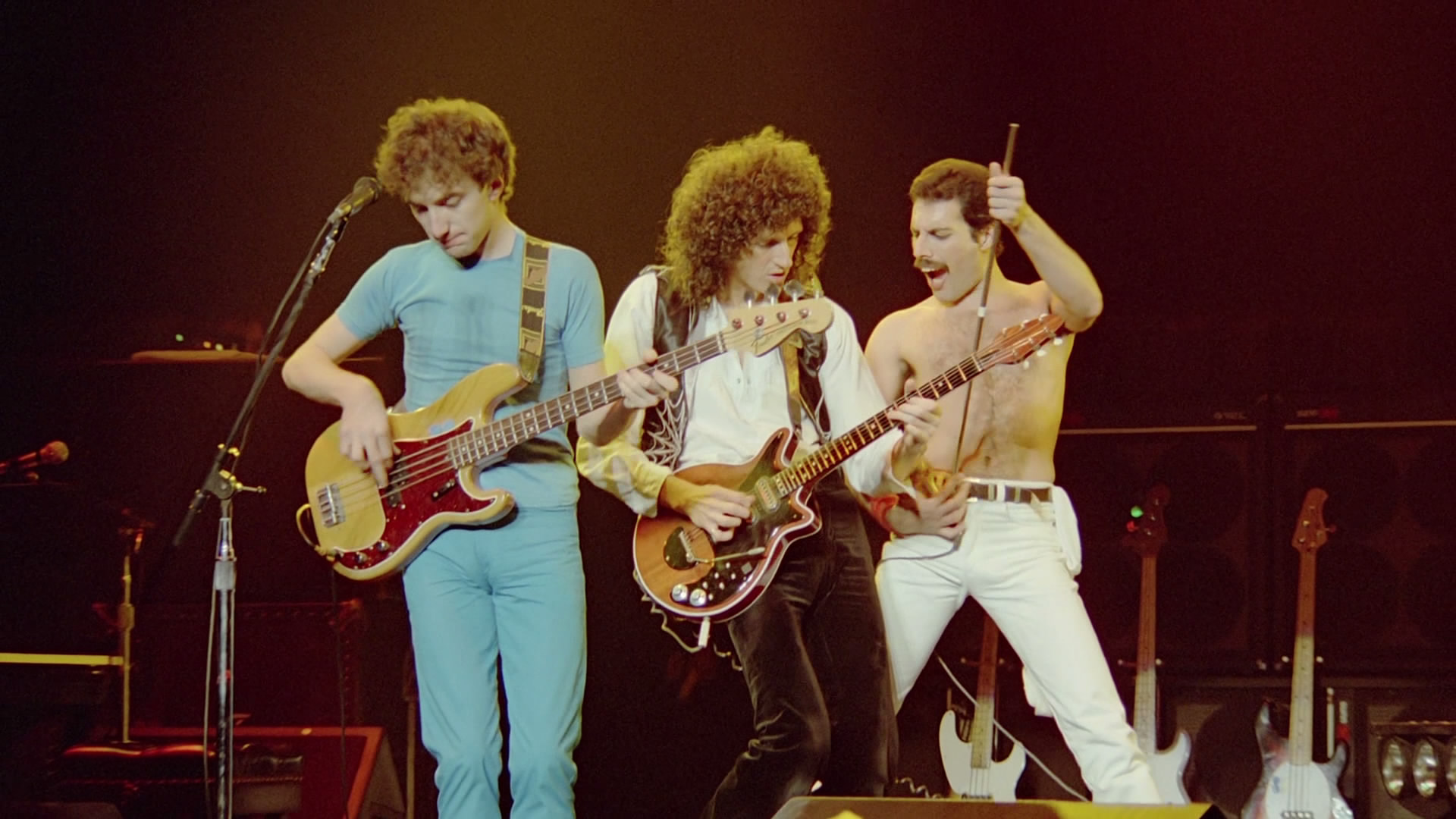 queen-rock-montreal--live-aid-50719751904b5