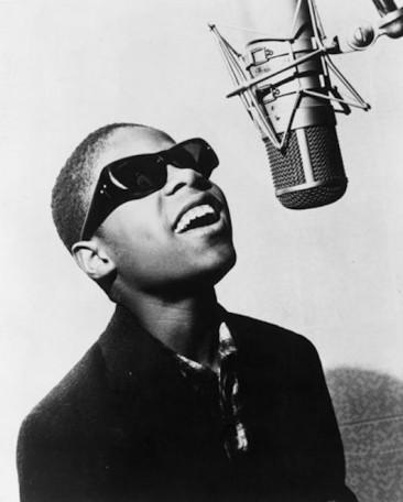 1963年、スティーヴィー・ワンダーがシングル/アルバムで同時1位獲得