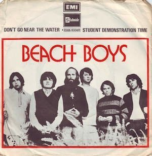 the-beach-boys-dont-go-near-the-water-stateside-2