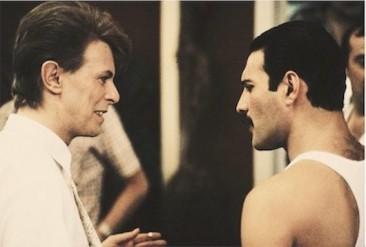 全英1位を獲得した奇跡のコラボ:クイーンとデヴィッド・ボウイの「Under Pressure」