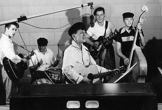 ジェフ・ベックやジミー・ペイジらが敬愛する知られざる不滅のギタリスト、クリフ・ギャラップ