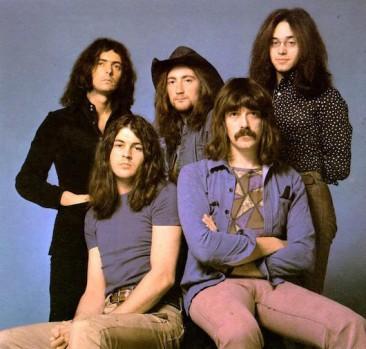 名曲中の名曲、ディープ・パープル「Smoke On The Water」は最初はシングル曲ではなかった