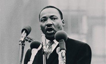 キング牧師の記念日に祝意を表明しよう