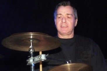 カンのドラマーのヤキ・リーベツァイト、78歳で死去