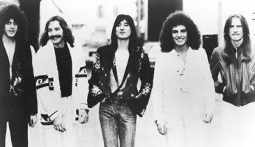 ジャーニーのオリジナル・ヴォーカル、グレッグ・ローリーがバンドと再度一緒に働いていることをほのめかす
