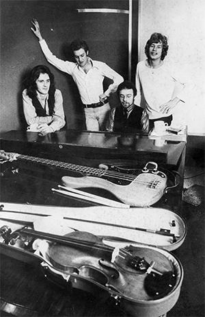 King-Crimson-band-photo-web-300