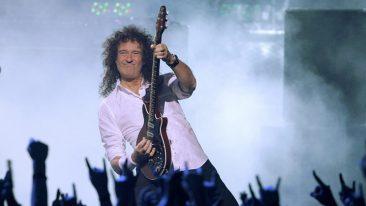 ブライアン・メイがアナグマ保護運動のチャリティーにギターを出品
