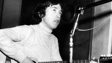 AC/DCヤング兄弟の実兄でプロデューサー、イージービーツのギタリストのジョージ・ヤングが死去