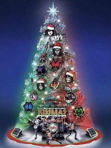 KISSやリンゴ・スター、レディー・ガガらスターからのクリスマス・メッセージ