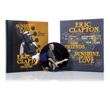 クラプトン主催のクロスロード・ギター・フェスティヴァルが豪華限定本になって発売