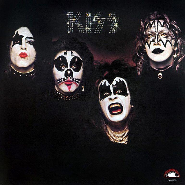 地獄の始まり:ニューヨークの売れないバンドがメイクをして、『KISS』を発売するまで