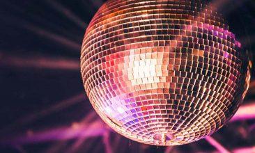 ディスコの歴史:ダンス規制法の中でマイノリティ文化から生まれ全米に浸透したダンス・ミュージックとアーティストたち