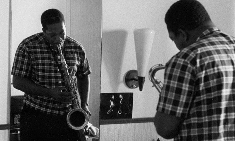 ジョン・コルトレーン購入ガイド:ジャズ初心者のための必聴アルバム10枚
