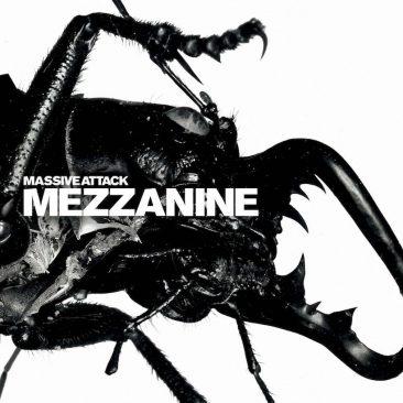 """""""グループらしいダークなサウンドで一杯""""と評されたマッシヴ・アタック初の全英1位作『Mezzanine』"""