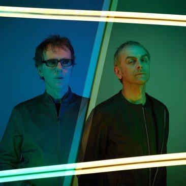 アンダーワールドとイギー・ポップがコラボレーション、新曲「Bells & Circles」を発表
