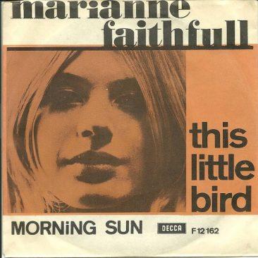 鳥嫌いなマリアンヌ・フェイスフル、18歳のヒット曲「This Little Bird」