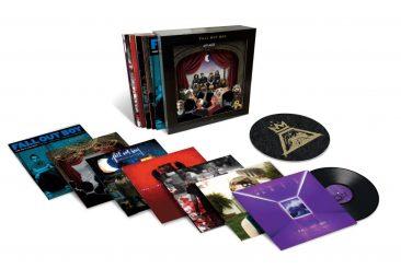 フォール・アウト・ボーイ、デビュー15周年を記念したキャリア総括7タイトル11枚組豪華LPボックスを9月28日に発売