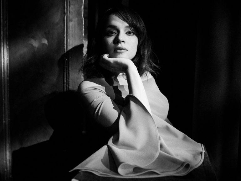 ノラ・ジョーンズ、新曲「It Was You」を急遽配信。先月配信曲はHBOキャンペーン曲に