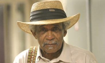 スワンプ・ブルースの中心人物、レイジー・レスターが85歳で死去