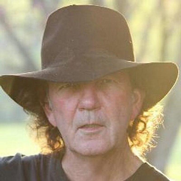 """""""スワンプ・ロック""""のパイオニア、トニー・ジョー・ホワイトが75歳で急逝"""