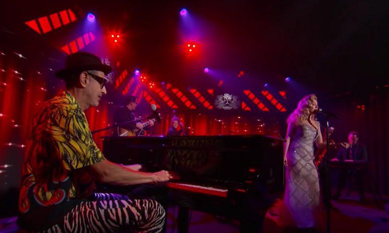 俳優ジェフ・ゴールドブラムが「ジミー・キンメル・ライブ!」でデビュー作を披露