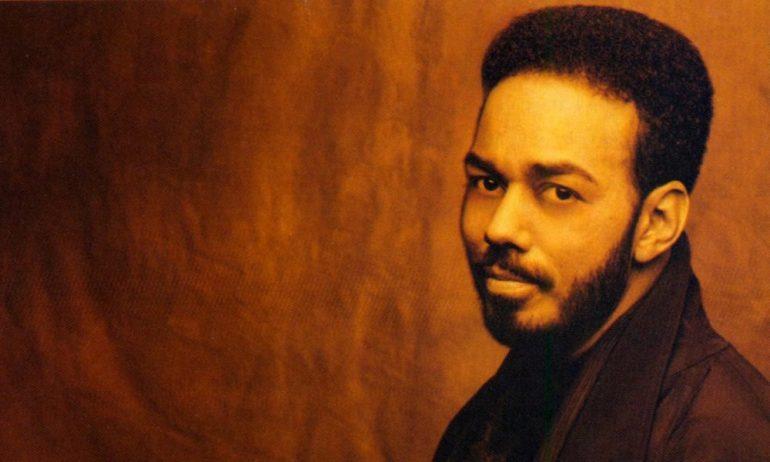 R&Bシンガー、ジェームス・イングラムが逝去。その経歴とクインシーの追悼コメントを掲載