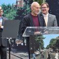 ビートルズ『Abbey Road』発売50周年を記念してハリウッドの交差点が「Abbey Road At Vine」に命名。除幕式では俳優のパトリック・スチュワートがポール・マッカートニーとの出会いの秘話を明かす