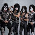 KISSの引退ツアーが北米でハードロック/メタル・バンドの年間最高興行収入を記録
