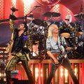 クイーン+アダム・ランバート初ライヴ盤から「The Show Must Go On」先行公開。メンバーが語るこの曲の想い出とは?