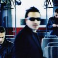 U2「Beautiful Day」:『All That You Can't Leave Behind』に収録され完全復帰を実証した名曲