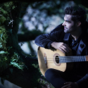 デビュー10周年で新作に挑むギタリスト ミロシュ、最新インタビューを公開
